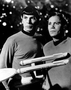 Leonard_Nimoy_William_Shatner_Star_Trek_1968